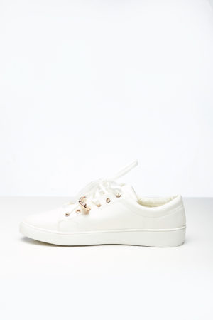 WAGCHIC WHITE SNEAKERS WITH GOLD PIN DETAIL