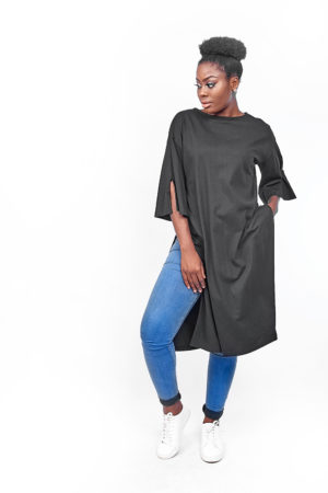 T SHIRT TUNIC WITH SPLIT SIDES - BLACK