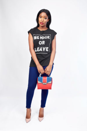 BE NICE OR LEAVE PRINT T SHIRT- BLACK
