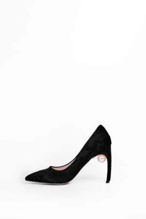 WAGCHIC CURVED HEEL COURT SHOE WITH PEARL DETAIL - BLACK