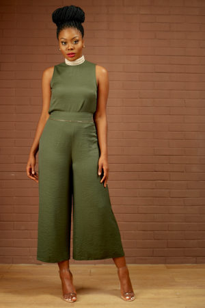 (30% OFF) KHAKI EMBELLISHED NECK & CULOTTE SUIT SET