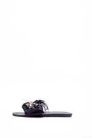 (2 FOR 17K) WAGCHIC FEATHER SLIPPERS - BLACK