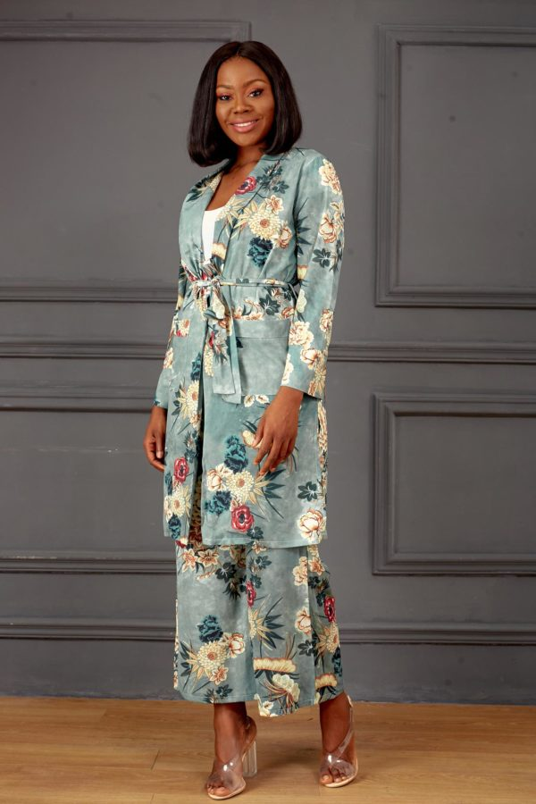 (30% OFF) MINT FLORAL SUIT SET