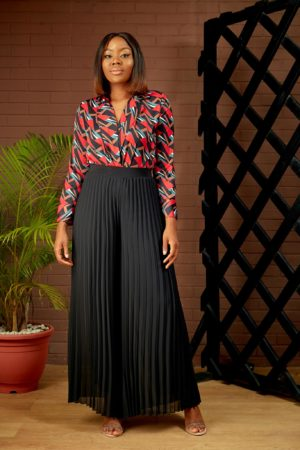 BLACK PLEATED PALAZZOS